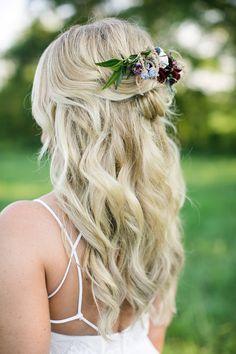 farm wedding, bridal hair #realwedding #weddingdress #bridehair #weddingstyle #weddinginspiration #weddingcolors #weddingphoto #bride