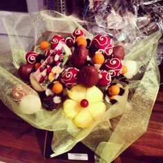 Chocolate & Fruit bouquet. Perfect combo!