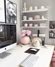 In need for some serious office space/desk decor inspiration. This cute set up is by