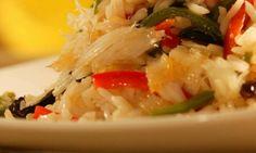 Arroz com bacalhau e pimentão  Receitas deliciosas de arroz para Natal e Ano Novo - Culinária - MdeMulher - Ed. Abril
