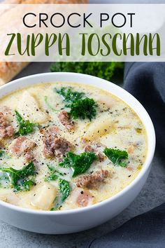 Crock Pot Zuppa Toscana - Let your slow cooker do the work in this easy copycat soup full of sausage, kale, bacon and potatoes! Crock Pot Zuppa Toscana - Let your slow cooker do the work in this easy copycat soup full of sausage, kale, bacon and potatoes! Crock Pot Recipes, Crock Pot Cooking, Healthy Crockpot Recipes, Slow Cooker Recipes, Cooking Recipes, Healthy Soup, Vegetarian Soup, Crock Pot Sausage, Clean Eating Snacks