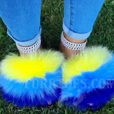 Cute Nike Shoes, Nike Air Shoes, Cute Sneakers, Comfy Shoes, Pom Pom Sandals, Cute Sandals, Fluffy Shoes, Cute Slides, Flip Flops