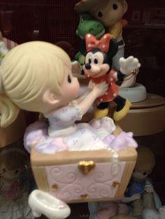 Precious Moments Disney- Minnie Mouse