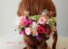 ミニローズとベリーのナチュラル花飾り ウェディングヘットドレス 華やかでナチュラルなイメージのヘアピース♡プリザーブドフラワー・ドライフラワーの髪飾りですピンクローズとベリー、千日紅がナチュラルで可愛いイメージですピンクグラデーションとパープルミックスの2パターンをご用意いたしました♪【セット内容】ヘアピース19本ミニローズ約2.5~3cm 4本カスミソウ…
