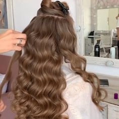 types of curls with wand ~ types curls ; types of curls ; different types of curls ; types of curls with wand ; types of curls with curling iron ; types of curls charts ; Long Natural Hair, Natural Hair Styles, Long Hair Styles, Natural Curls, Easy Hairstyles For Long Hair, Down Hairstyles, Hairstyle Ideas, Engagement Hairstyles, Wedding Hairstyles