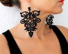 Lace Earrings, Dangle Earrings, Statement Earrings, Black Lace, Lace Jewelry, Black Earrings, Boho Earrings de SeaAsparagus en Etsy https://www.etsy.com/es/listing/239548668/lace-earrings-dangle-earrings-statement