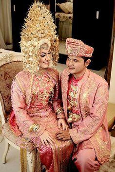 Indonesian wedding Headdress, Headpiece, Indonesian Wedding, Bride Groom, Hair Pins, Traditional, Unique, Pink, How To Wear