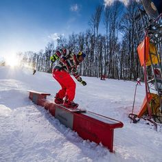 Snowing is forecasted for the weekend so don't hesitate let's go outside! Eplény Ski Arean is just 15 hour from Budapest. #ski #epleny #snow #snowboard #budapest #hungary #skiarena #halfpipe #outdoor #sports #mountain #outdoosports  #visiting #travels #travelphotography #tagsta_travel #likeall #like4like #likes4likes #passportready #travelblogger #wanderlust #ilovetravel #writetotravel #instatravelling #instavacation #travelbloggers