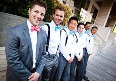 wedding groomsmen turquoise ties groom with red bowtie | LOOK DE NOIVO – GRAVATA BORBOLETA