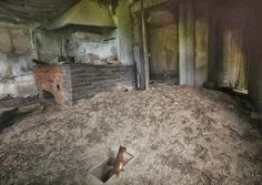 Abandoned House by Kai Fagerström for National Geographic Abandoned Mansions, Abandoned Buildings, Abandoned Places, Voyager Loin, Forest Cabin, Wild Forest, Forest Animals, Wild Animals, Woodland Creatures