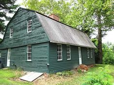THIS IS THE GENUINE ARTICLE for old-house fanatics — a true Colonial from the when Connecticut was an actual colony. It looks to my eye like Dutch-style architecture, with that gambrel… Dutch Colonial Homes, Greek Revival Home, Rocky Hill, Gambrel Roof, My Dream Home, Dream Homes, New England Style, Colonial Williamsburg, Little Houses