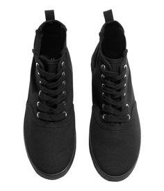 black shoes | H