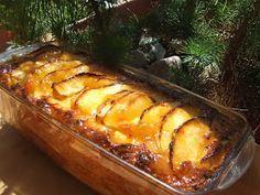 Esta es una de esas recetas para aprovechar sobras de pan, de mada lenas, etc... Siempre sale buena. Esta vez le puse manzana pero con c...