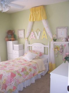 Little Girl's Bedroom - Yellow