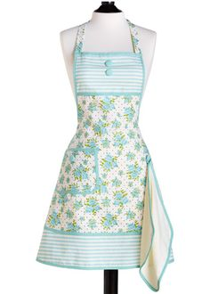 Perfect to add to my collection~ I always wear aprons when setting & working sweet tables