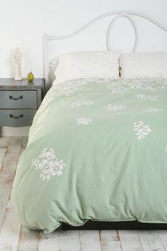 inspiration master bedroom but i want a comforter not a duvet cover. sad.