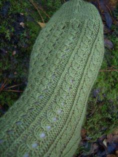 Crochet Slippers, Knit Crochet, Knitting Socks, Knit Socks, Yarn Colors, One Color, Colour, Leg Warmers, Mittens