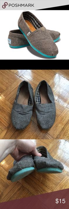 Toms loafers size 8 herringbone pattern teal sole Toms loafers size 8 herringbone pattern teal sole. These do have signs of wear, please see pictures. The insides do have some staining. Toms Shoes Flats & Loafers