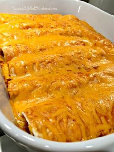 Today's recipe share is one of our youngest daughter's favorite meals and what she requested for her back-to-school dinner last week - Easy Cheesy Beef Enchiladas. Easy Cheesy Beef Enchiladas Easy Cheesy Beefy Enchiladas have Easy Enchilada Casserole, Easy Beef Enchiladas, Enchilada Recipes, Beef Recipes, Cooking Recipes, Healthy Recipes, Mexican Casserole, Freezer Recipes, Freezer Cooking