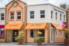 The title 'Mi Amor' immediately evokes warmth; as a phrase often said and heard, it truly summarises what Tortola's boutique Mi Amor Jewellers in Road Town stands for.