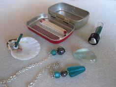 Ideas for portable mini-altar items in an Altoid's tin