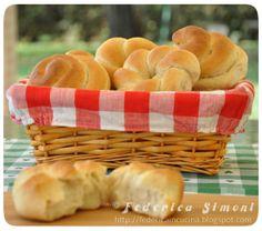 La cucina di Federica: Panini soffici con pasta di sesamo