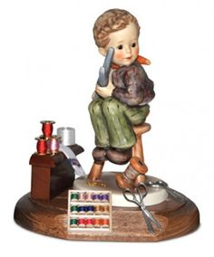 Hummel figurine Merry Little Tailor with spools of thread Goebel Figurines, Precious Moments Figurines, Norman Rockwell, Arts And Crafts, Porcelain, Merry, Dolls, Antiques, Painters