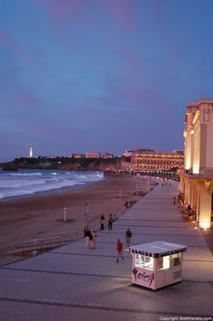 La grande plage nocturne, Biarritz, France => And I should see more of this place as well!