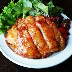 これはほんとにパリッパリ~♪皮パリ照り焼きチキン♪ | しゃなママオフィシャルブログ「しゃなママとだんご3兄弟の甘いもの日記」Powered by Ameba Cafe Food, Food Menu, Good Food, Yummy Food, Japanese Dishes, Happy Foods, Recipes From Heaven, Asian Recipes, Great Recipes