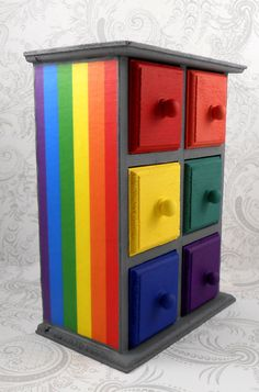 Rainbow Storage for the Bedside of Tiny Tots or for general toy clutter ♥≻★≺♥