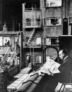 Hitchcock behind the scenes of Rear Window (1954)
