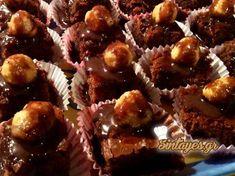 Σοκολατένιες μπουκίτσες με φουντούκια και σος σοκολάτας Greek Recipes, Muffin, Breakfast, Desserts, Heaven, Food, Morning Coffee, Tailgate Desserts, Deserts