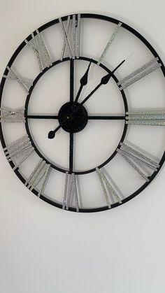 Giant Wall Clock, Big Wall Clocks, Living Room Clocks, Wall Clock Design, Wall Clock Decor, Oversized Clocks, Farmhouse Wall Art, Diy Clock, Crystal Wall