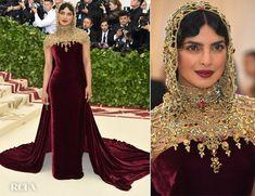 Priyanka Chopra In Ralph Lauren Collection - 2018 Met Gala - Red Carpet Fashion Awards Gala Gowns, Red Gowns, Gala Dresses, Nice Dresses, Priyanka Chopra, Fashion 2018, Love Fashion, Cinema Outfit, Met Gala Red Carpet