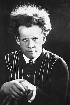 Sergei Eisenstein 03.jpg