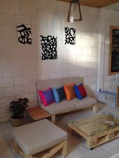 Obra Gracmor junto con muebles sustentables de Amiko Espacios.