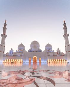 Sheik Zayed Grand Mosque - Abu Dhabi ❤️❤️❤️ Pic by . for a feature ❤️ Mecca Wallpaper, Islamic Wallpaper, Beautiful Mosques, Beautiful Buildings, Mosque Architecture, Architecture Design, Gothic Architecture, Historical Architecture, Ancient Architecture