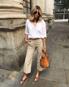 36 Elegant Beige Linen Pants Outfit Ideas - New Site Linen Pants Outfit, Beige Outfit, Linen Trousers, White Culottes Outfit, Gaucho Pants Outfit, Khaki Shorts Outfit, Linen Pants Women, Women's Pants, Linen Blazer