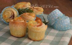 Muffin di sfoglia con prosciutto e formaggio