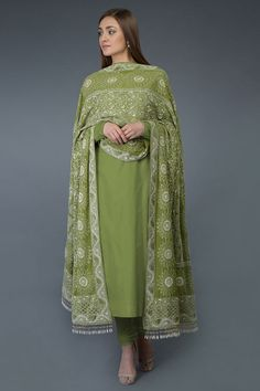 Pepper Stem Chikankari & Kamdani Dupatta With Suit Designer Dress For Men, Designer Punjabi Suits, Indian Designer Outfits, Designer Sarees, Pakistani Dress Design, Pakistani Outfits, Indian Outfits, Indian Attire, Beautiful Suit