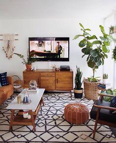 littlecitysf:  Amazing living room inspiration courtesy of the New Darlings.  http://ift.tt/1TH0iqC