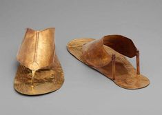 """These gold sandals belonged to an Egyptian queen of Thutmose III. Similar gold sandals were found on the mummy of Tutankhamun. Egyptian Queen, Ancient Egyptian Art, Ancient History, World History Facts, Art History, Golden Sandals, Egyptian Fashion, Ancient Egypt Fashion, Empire Romain"