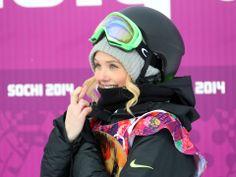Women's snowboarding at the Sochi Winter Olympics Fun Winter Activities, Winter Games, Winter Fun, Winter Sports, Snowboarding Style, Snowboarding Women, Silje Norendal, Snowboard Equipment, Snowboard Girl