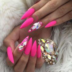 Stiletto Nails – Images – Hair, Nails, Skin – Tips, Tricks and Hacks Pink Stiletto Nails, Glam Nails, Pink Bling Nails, Stelleto Nails, Bling Nail Art, Hot Pink Nails, Nail Swag, Barbie Pink Nails, Bright Pink Nails