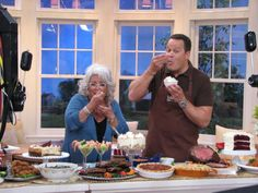 One of our favorite guests! Food Network Channel, Food Network Recipes, David Qvc, David Venable, Ground Beef Recipes For Dinner, Good Food, Yummy Food, Paula Deen, Thanksgiving Recipes