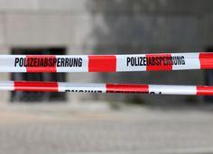 Die Anschläge auf die Moschee und das ICC in Dresden sind nicht nur Anschläge auf die Religionsfreiheit, es wurde auch bewusst der Tod von Menschen in Kauf genommen, befindet Tillich. De Maizière beklagte eine zunehmende Aggressivität gegenüber Muslimen.