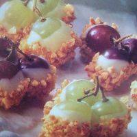 Dessert Grape Clusters - grapes, white chocolate and honey roasted cashews