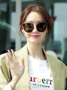 South Korean Girls, Korean Girl Groups, Asian Woman, Asian Girl, Yoona Snsd, All American Girl, Famous Stars, Korean Actresses, Girl Next Door