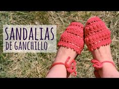 Crochet Slipper Boots, Crochet Sandals, Knitted Slippers, Crochet Shoes, Crochet Video, Easy Crochet, Freeform Crochet, Knit Patterns, Diy Fashion