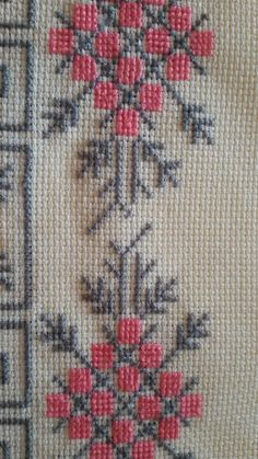 This Pin was discovered by Sel Cross Stitch Borders, Cross Stitch Designs, Cross Stitching, Cross Stitch Embroidery, Cross Stitch Patterns, Towel Embroidery, Hand Embroidery Designs, Bargello Needlepoint, Palestinian Embroidery